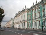 Помпезный Зимний дворец.