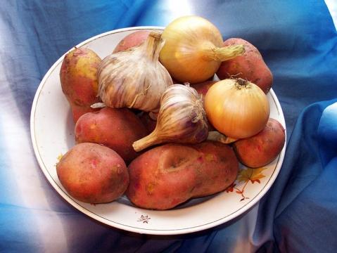 Картошка лук чеснок