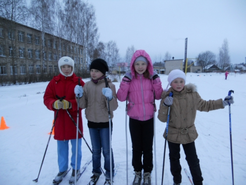 Лыжницы - Любовь Васильевна Сычева