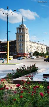 Центральная площадь города - Ольга Яковлевна Ширяева
