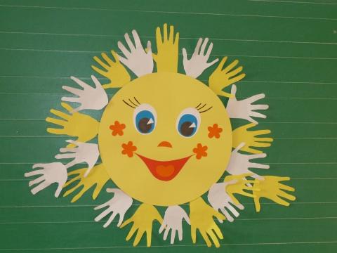 Как сделать солнышко своими руками из ладошек - Твой рабочий стол