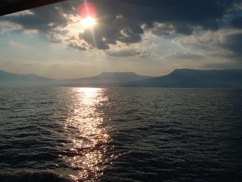 закат на море (вид с моря)