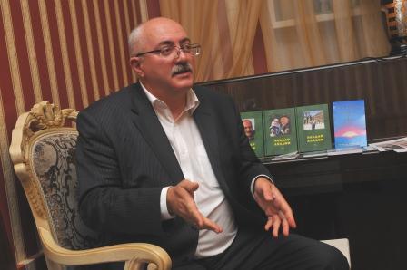 на творческом вечере - Эльдар Алихасович Ахадов