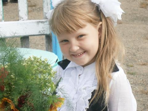 Маша -первоклассница - самые красивые учащиеся своей школы
