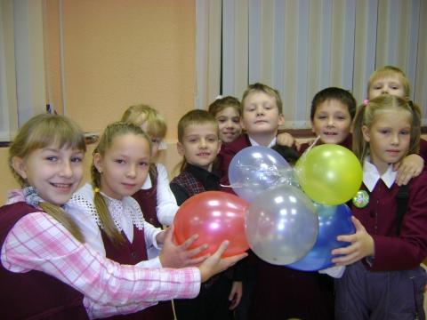 Команда представляет свою спутниковую ракету - Ольга Игоревна Баранцева