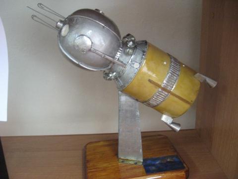 На такой ракете летал Гагарин , точная копия - Елена Викторовна Ершова