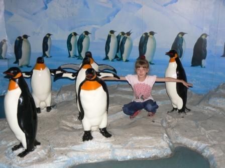 `Новый пингвинчик` Полинка в океанариуме г.Далянь. - Отдыхаю!!!