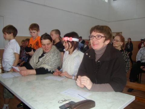 Жюри во главе с директором - Муниципальное образовательное учреждение Северокоммунарская средняя общеобразовательная школа