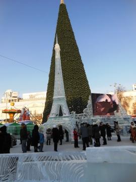 Эйфелева башня на фоне главной елки. - Марина Юрьевна Горбачева