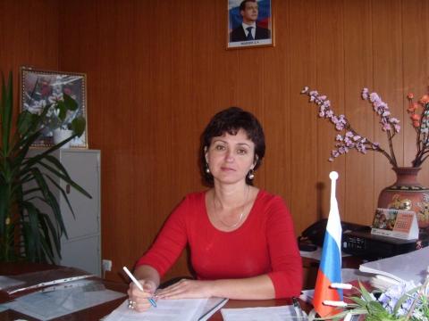 Директор - Муниципальное общеобразовательное учреждение Средняя общеобразовательная школа №3 г. Михайловск
