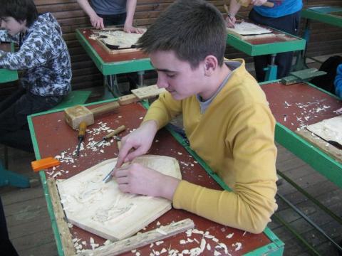 8-ой класс за работой в мастерской. - Николай Иванович Шашков