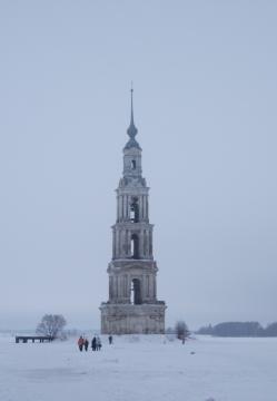 наша затопленная колокольня зимой