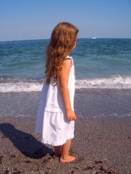 Девочка и дельфины